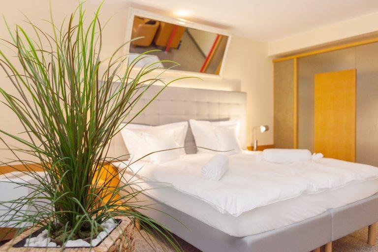 Hochzeitszimmer Bett-squashed