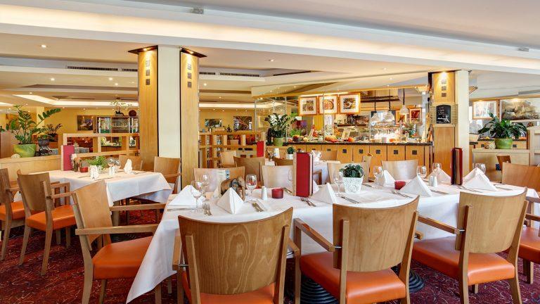 Restaurant mit Showküche ABACUS-squashed