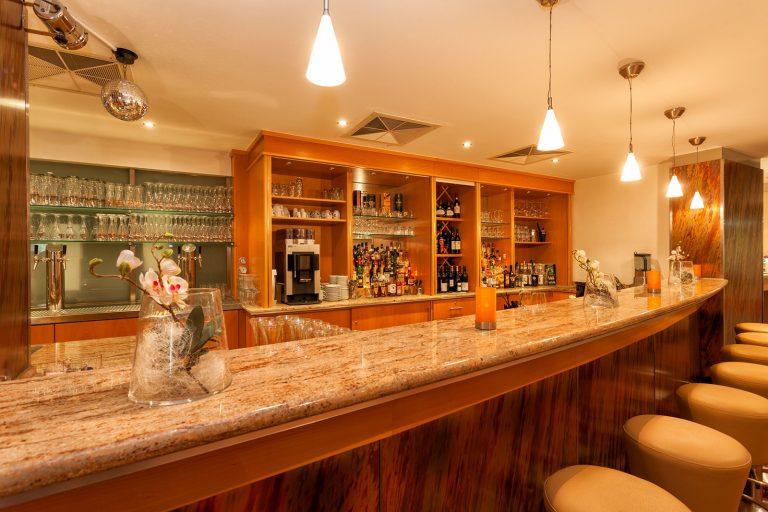 Tagung Lobby Bar 1-squashed